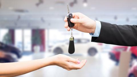 Rastúci dopyt po automobiloch v roku 2016