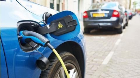 Elektromobily majú náskok pred vodíkovým pohonom