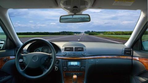 Až 21 miliónov bezvodičových automobilov na cestách do roku 2035