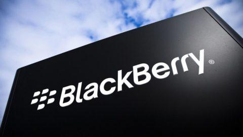 BlackBerry končí s výrobou smartfónov, odovzdá ju partnerom v zámorí