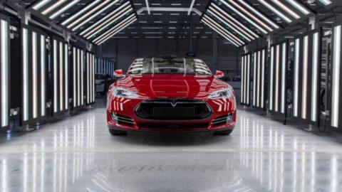 Tesle sa vlani nepodarilo predať plánovaný počet elektromobilov