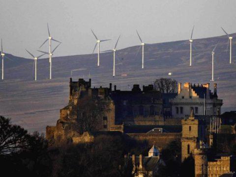 Veterná energia v Škótsku vyprodukovala rekordných 118% energie krajiny