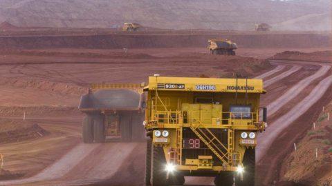 Austrálsky ťažobný gigant Rio Tinto už takmer 2 roky využíva autonómne nákladiaky