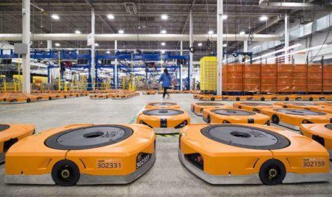 Dilema robotov Amazon: zoberú alebo zlepšia ľuďom prácu?