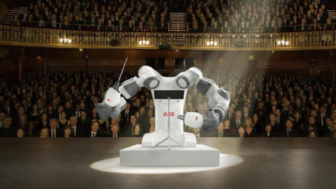 Výnimočný koncert svetoznámych hviezd pod taktovkou robota