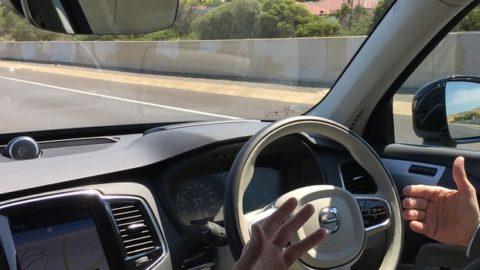 Autonómne vozidlá – síce bezpečnejšie, avšak svyšším rizikom súkromia