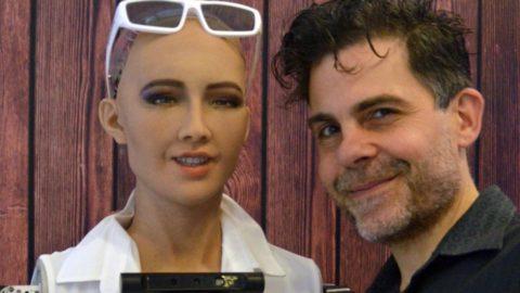 Všetko, čo potrebujete vedieť oSofii, prvom robotovi, ktorý získal občianstvo
