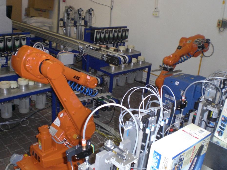 Obr.3: automatizované pracovisko na tmelenie filtrov vyrovnáva výrobné špičky v závislosti od sezónnych objednávok