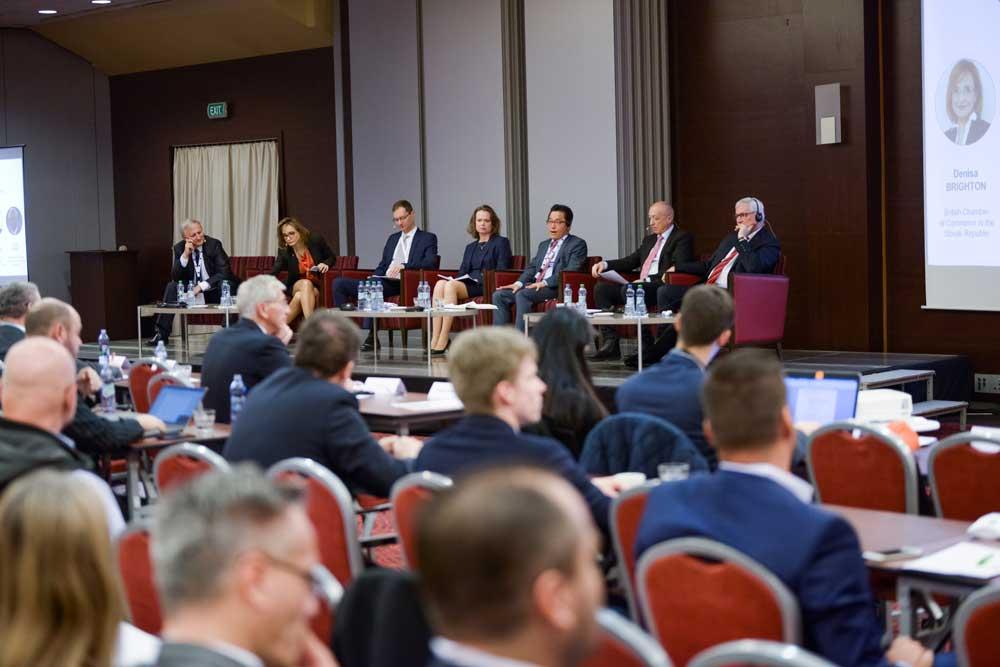 Otváracia panelová diskusia s predstaviteľmi šiestich organizátorov