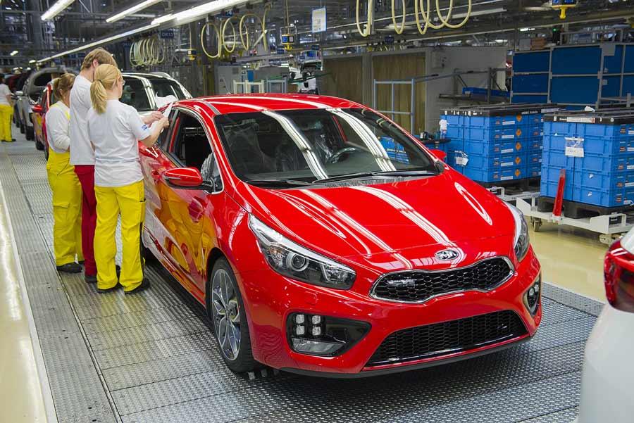 Kia Motors Slovakia zamestnci