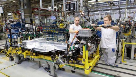 Volkswagen Slovakia spustil po odstávke výrobu
