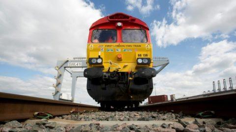 Priamy vlak zLondýna do Číny dokončil svoju 12 000 km dlhú cestu. Čo viezol?