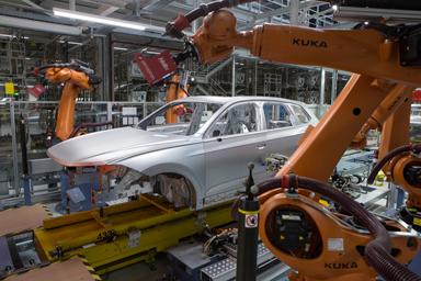 Volkswagen Slovakia potvrdil pozíciu najväčšieho výrobcu automobilov aj súkromného zamestnávateľa
