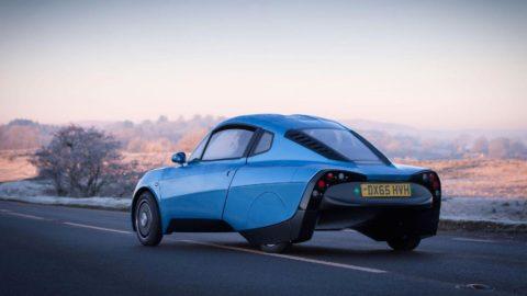 Rasa je vodíkom poháňané auto, ktoré chce poraziť Teslu