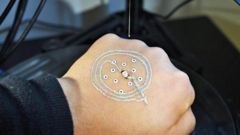 Elektronické tetovanie vytlačené pomocou 3D tlače môže byť švajčiarskym nožíkom budúcnosti