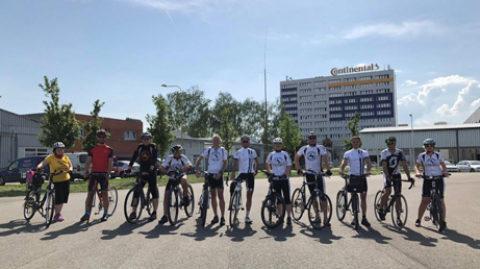 Zaměstnanci Continental Barum jezdí do práce na kole
