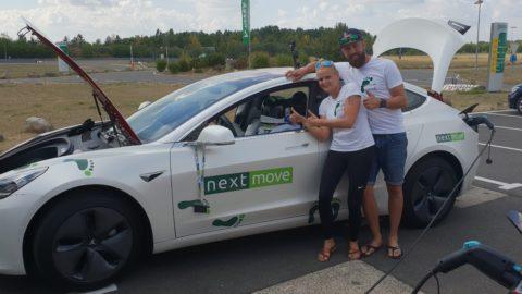 Tesla Model 3 bez šoféra na autopilote zvládla 1000 km na jedno nabitie