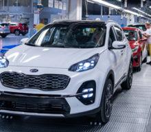 Závod Kia Motors Slovakia prechádza produktovou obmenou a spúšťa elektrifikáciu automobilov vyrábaných na Slovensku