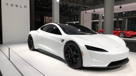 Nová Tesla Roadster sa neukázala  vo Švajčiarsku