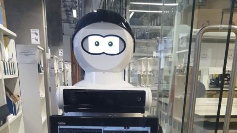 Robot MARIO zmierňuje príznaky demencie