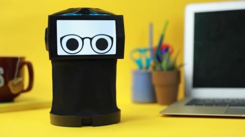 Robot Peeqo komunikuje prostredníctvom videí a GIF animácií