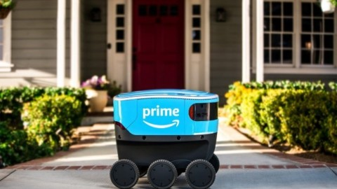 Robot Scout sa stáva hrozbou pre donáškové služby